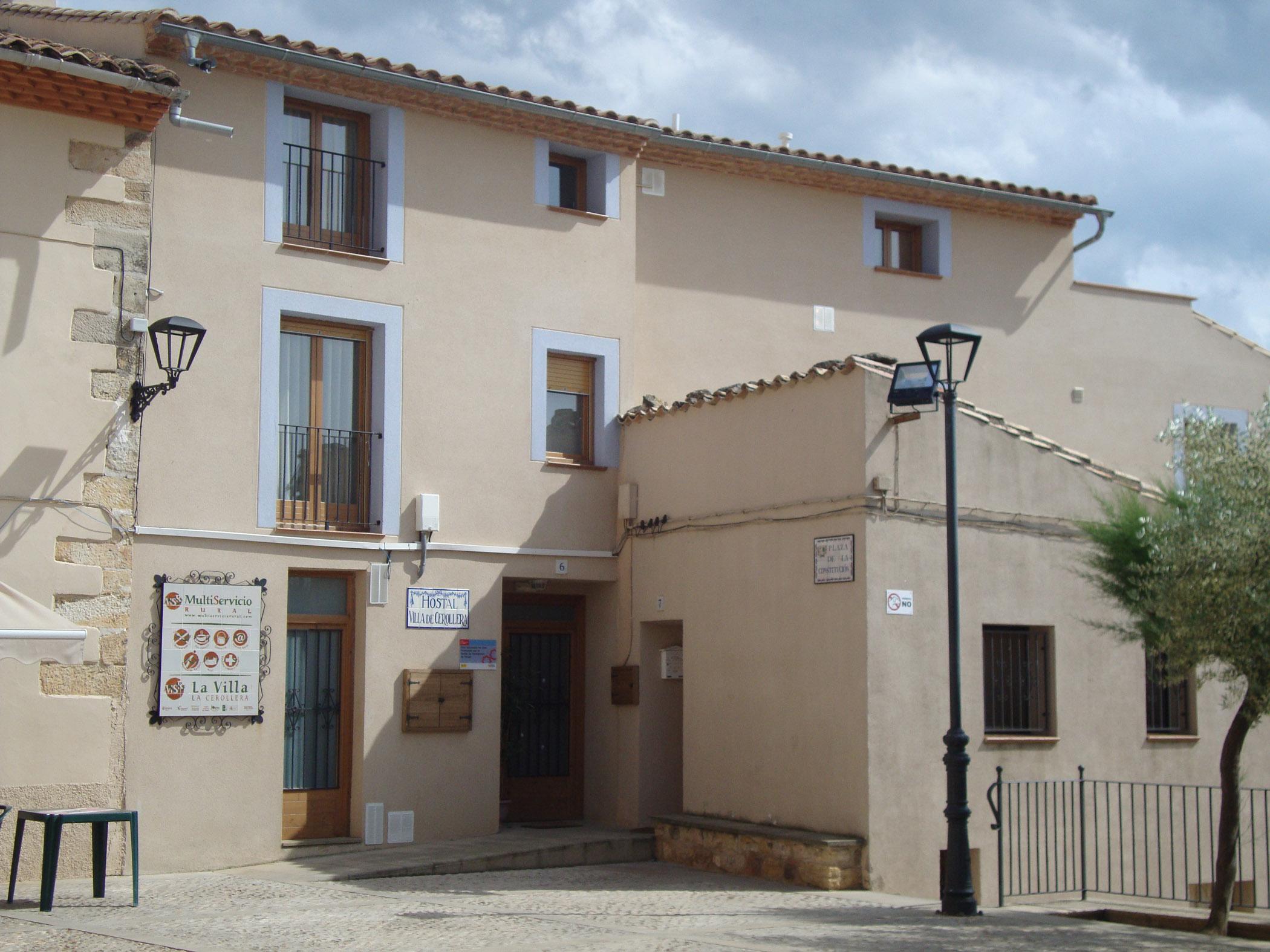 Hostal Villa de Cerollera
