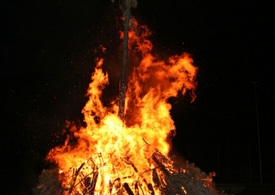 Hogueras ardiendo
