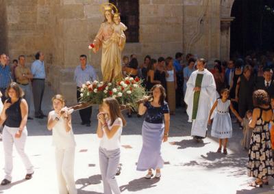 Fiestas 2000 procesion chicas