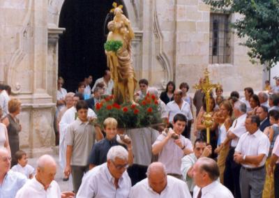 Fiestas 2000 salida misa
